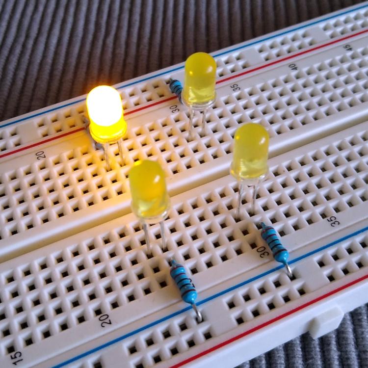 Adventskranz aus vier LED