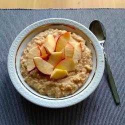 Foto zu Porridge, Rezept, Haferflocken, Zucker, Salz, Wasser, Frühstück